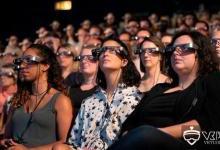 英国皇家国剧院为听障者提供AR字幕眼镜服务
