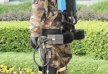 """""""穿戴式外骨骼助力机器人""""发布样机"""