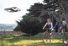 自动驾驶无人机Skydio R1面世