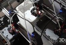 在一台3D打印机上安装10个打印头