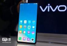 """智能手机战场不止""""刘海屏""""一种武器"""