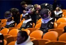 VR头盔感受第一视角的地球