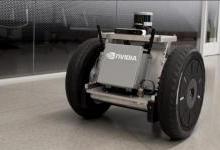 英伟达发布Isaac 加速自动机器人研发