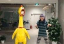 网友:今晚不吃鸡,只玩快手AR尬脸舞!