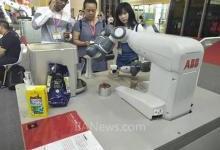 ABB机器人亮相武汉工博会