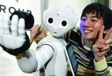 服务机器人产业爆发,AI技术加速智能升级