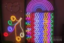 """万润科技实施""""LED+广告传媒""""双轮驱动发展"""