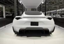 1.9S破百,特斯拉新款Roadster面世