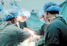 首例3D打印血友病双膝关节同期置换术完成