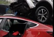 特斯拉Model 3马路对撞丰田RAV4