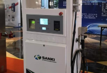 北京三盈开发的35Mpa加氢机正式下线