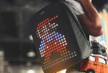 这背包居然自带屏幕,背上它就是行走的表情包