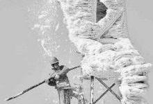 电力系统中超疏水材料的防覆冰应用